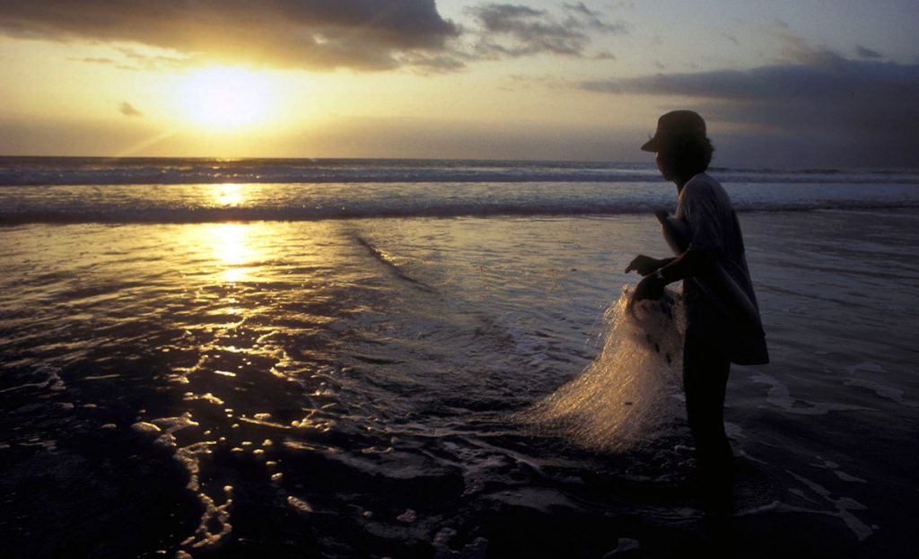 photographing sunsets Bali fisherman